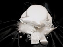 Zobrazit detail - Klobouček  polotovar pro fascinátor 13,5 cm