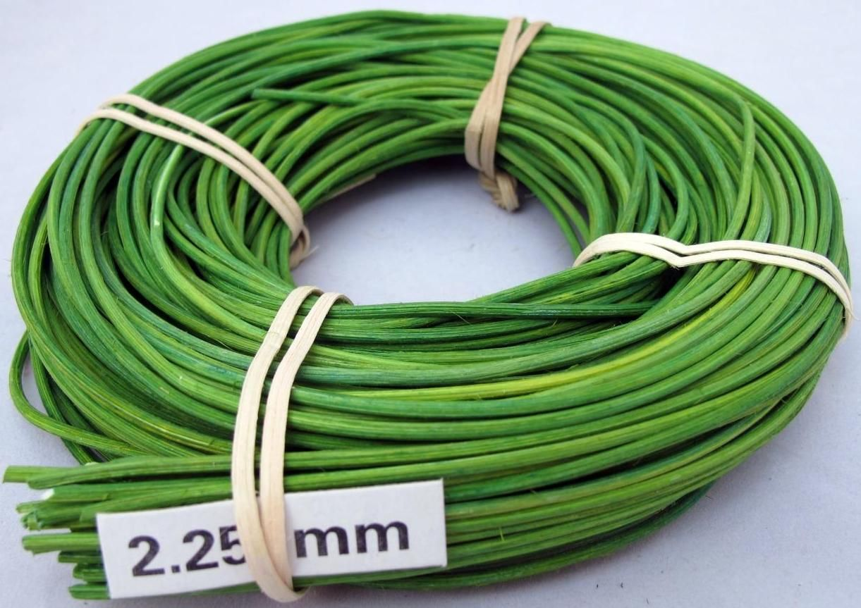 Barvený pedig 1,5 mm 120g Tm.Zelený - vhodný na pletení košíků a výrobě dekorace