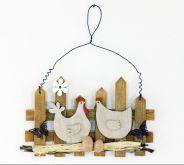 Dekorace dřevo na zavěšení SLEPIČKY S PLŮTKEM 24 x 15 cm