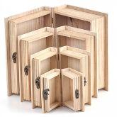 Dřevěná krabička  s kováním ve tvaru KNIHY - 1ks