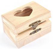 Dřevěná krabička s kováním se srdíčkem 8x4,5x6 cm