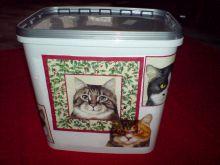 kýblík na krmivo pro kočku