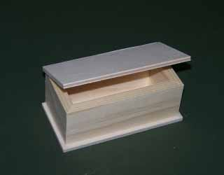 Dřevěná krabička 12 x 6cm