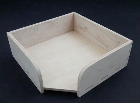 Dřevěný stojánek na poznámkový blok 11x11x3,8cm
