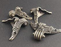 Ozdobné kování na krabičky Nožička antik bronz 46x54mm - 1ks