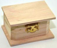 Dřevěná krabička s kováním 8,5x4,5x6 cm