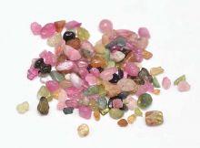 Minerální kamínky přírodní Tourmalíne cca 2 až 9mm - 25g