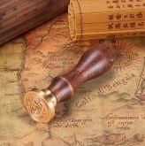 Pečetní razítko s dřevěnou rukojetí ZNAK A PÍSMENO Q