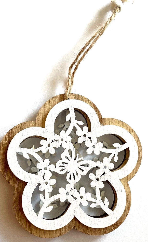 Dekorace dřevěný závěs vyřezávaný KVĚT s motýlkem 10cm