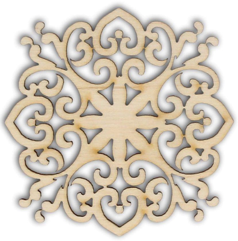 Dekorace dřevěná ORNAMENT filigrán 70x70mm