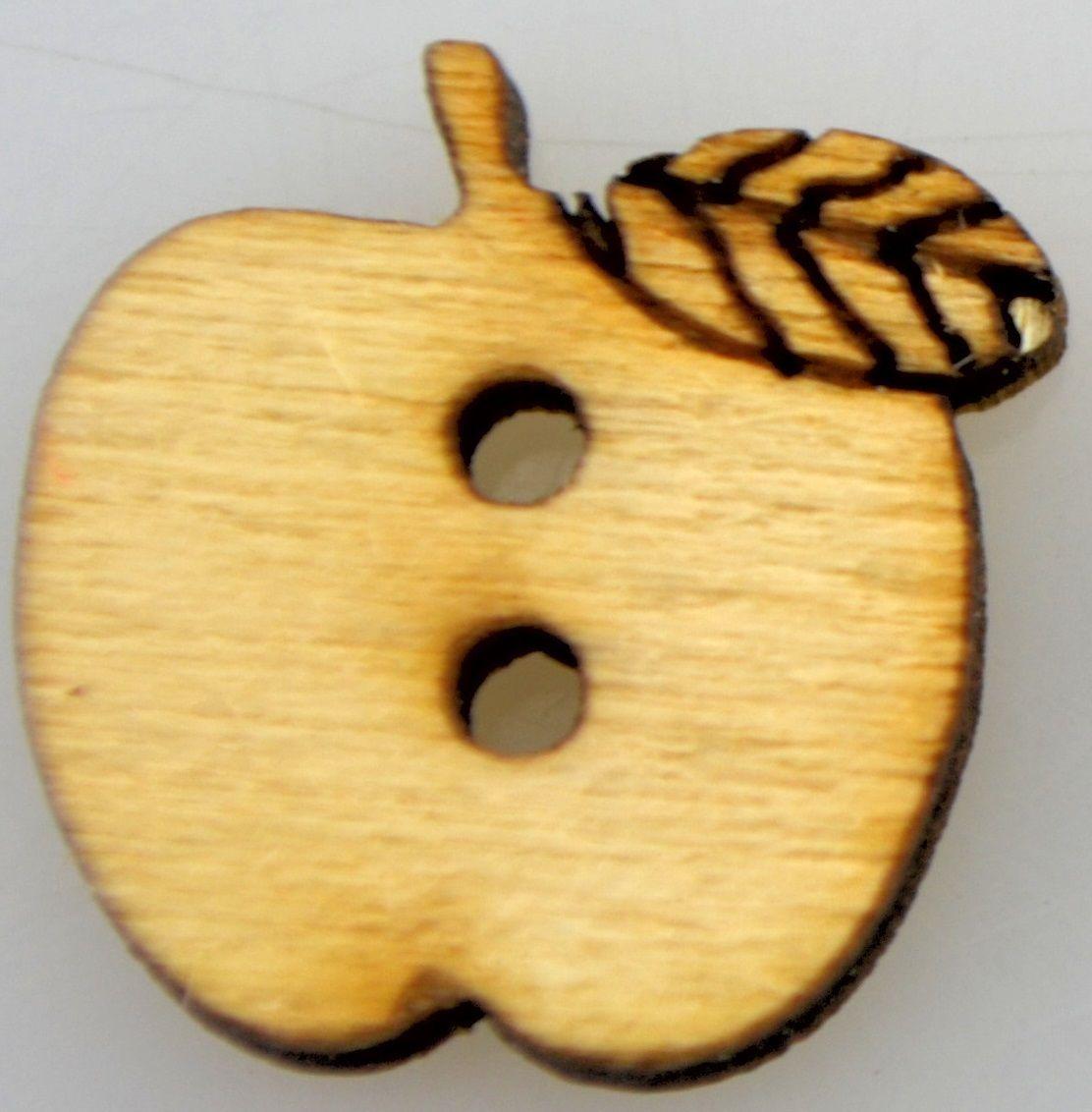 Dřevěný knoflíček JABLÍČKO 15mm - 1ks