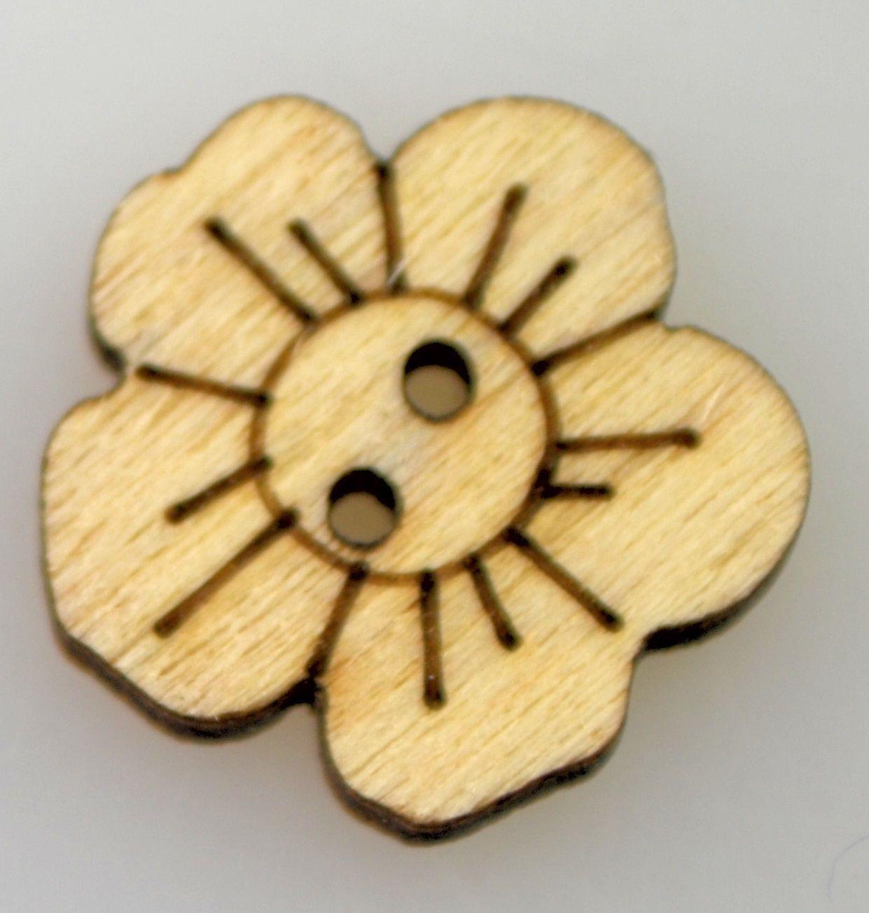 Dřevěný knoflíček KVĚTINKA 15mm - 1ks