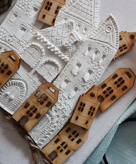 Domečky vytvořené ze samotvrdnoucí hmoty, domečky ze dřeva